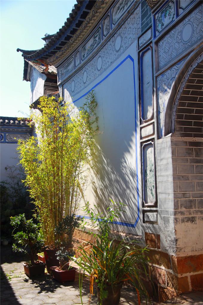 白族风格圆形背景墙