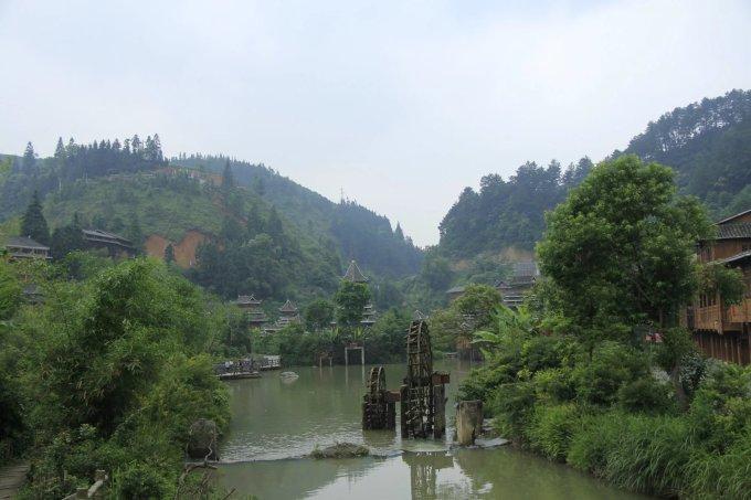 外国小河风景图片